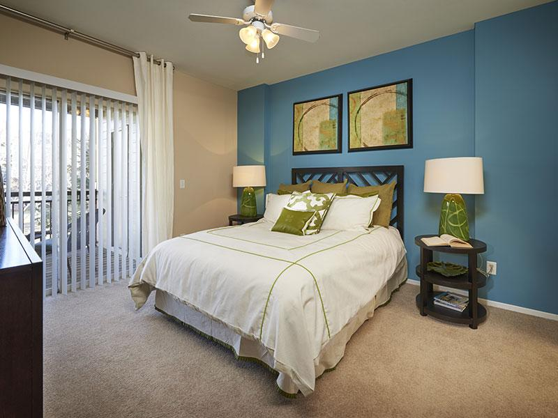 Legend Oaks Apartments in Denver, CO
