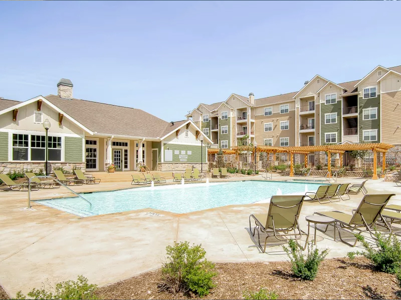 Peaks at Woodmen Apartments in Lakewood, CO