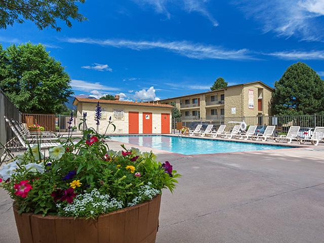Sienna Place Apartments in Lakewood, CO