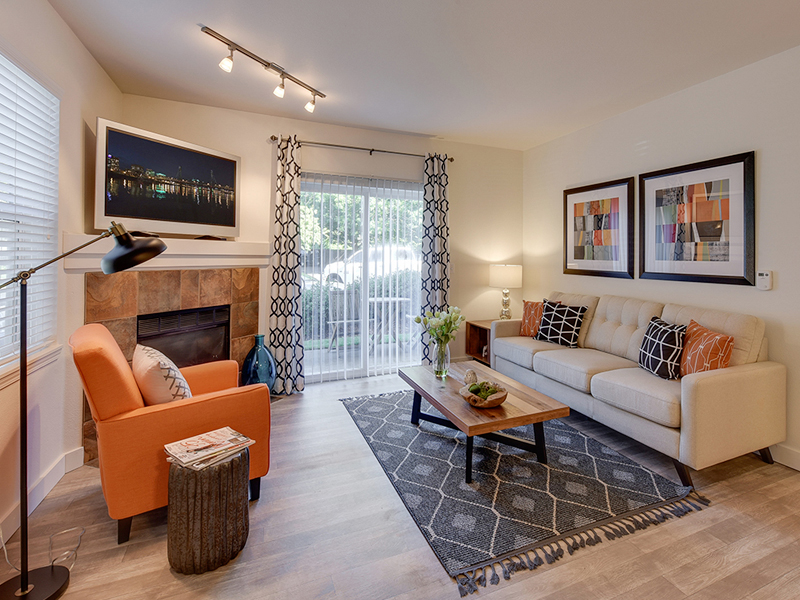 Sunfield Lakes Apartments in Portland, OR
