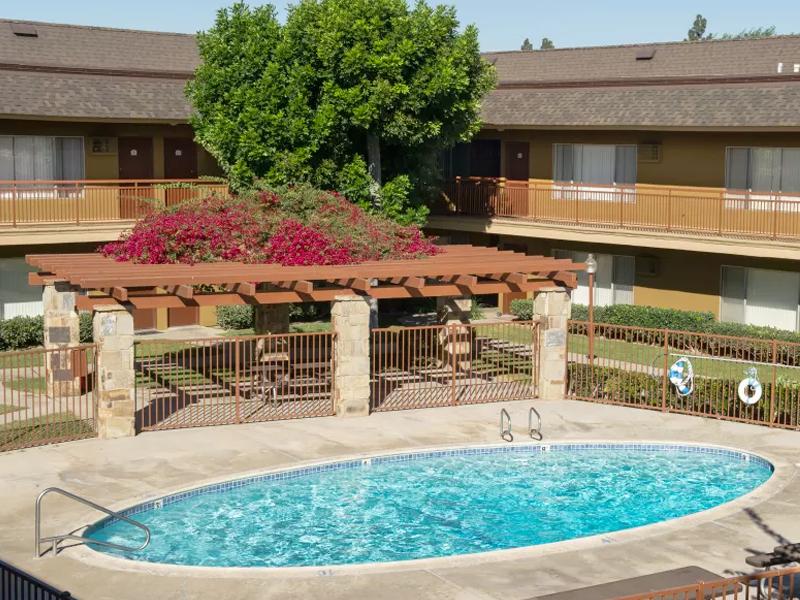 Chatham Village Apartments in Davis, CA