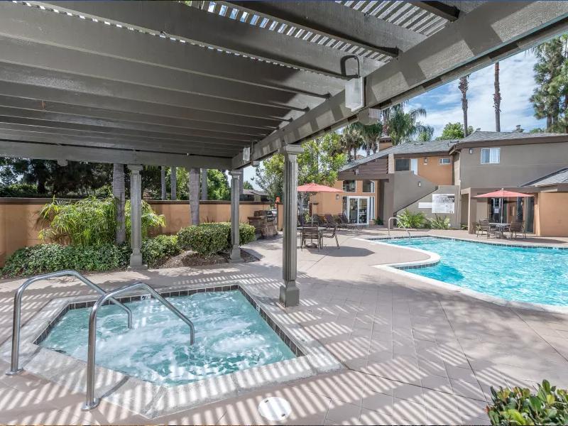 Seapointe Apartments in Davis, CA