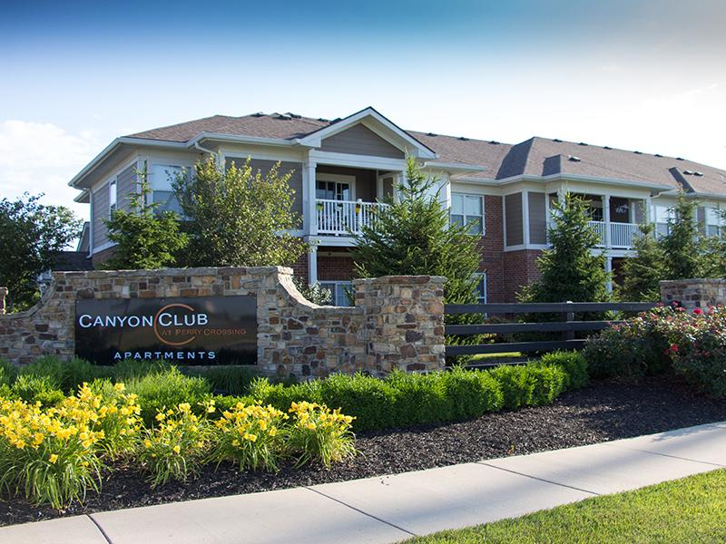 Canyon Club at Perry Crossing Apartments in New Albany, IN