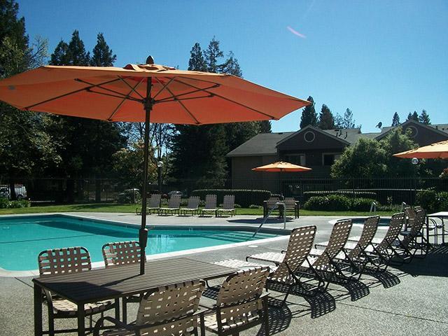 Spring Club Apartments in Davis, CA
